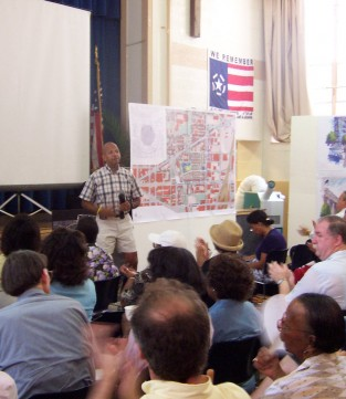 former Mayor Anthony Williams at community meeting in Northwest One